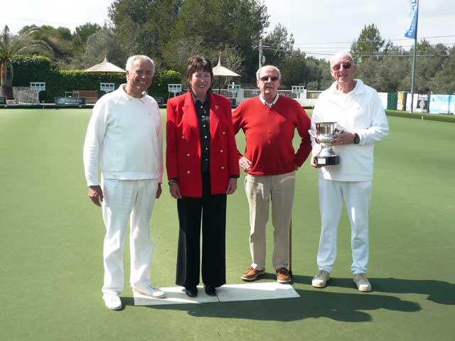 Finalists with Gordon & Jill